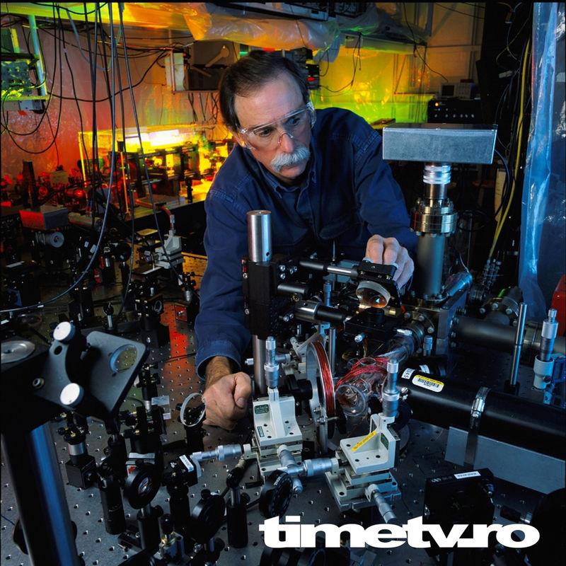 premiul-nobel-fizica-cuantica-2012-francez-american-fizica-cuantica-