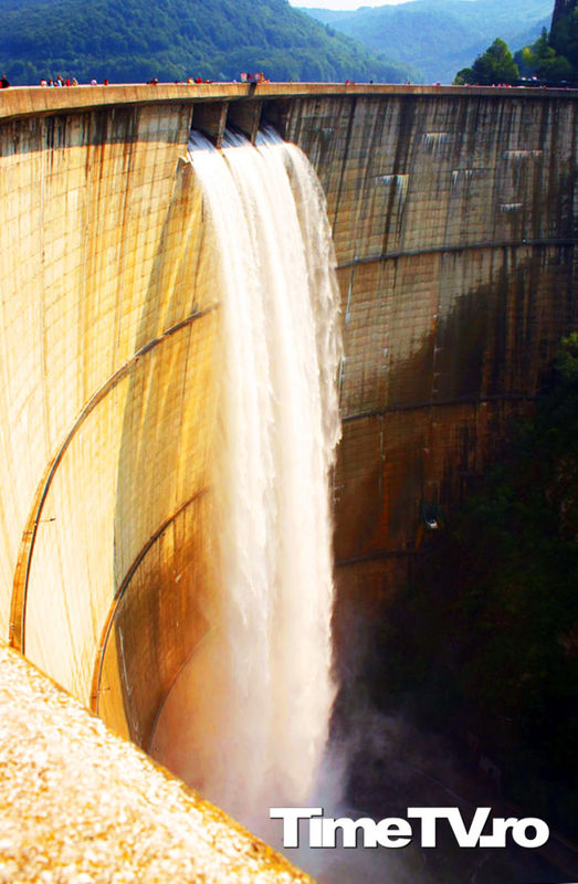 lacul-de-acumulare-vidraru-transfagarasan