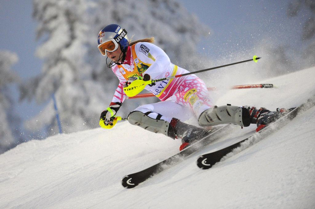 schi-coborare-slalom-campioana-mondiala-ski-olimpica