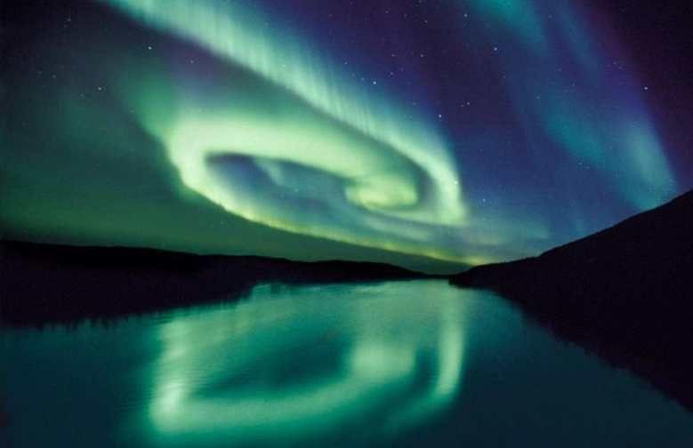 aurora-boreala-luminile-nordului-finlanda-lapland-vulpe-timetv