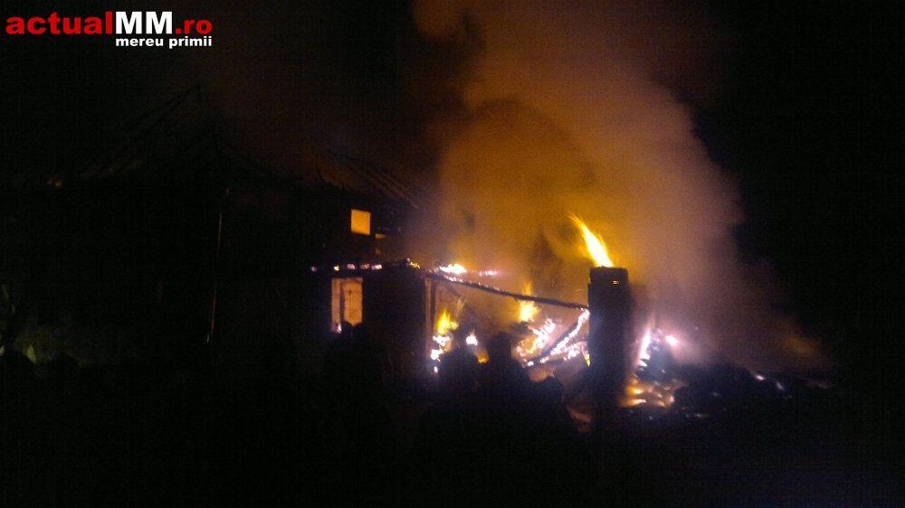 incendiu-la-un-complex-monahal-ieud-maramures-manastire-biserica-din-lemn-timetv