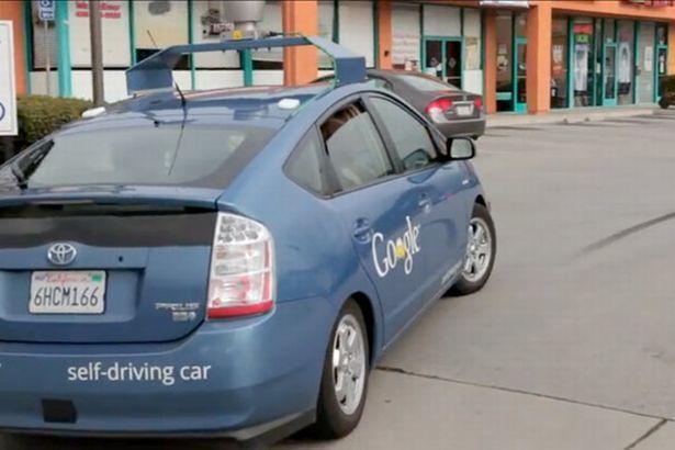 masina-care-merge-singura-google