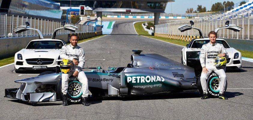 Mercedes F1W04 Lewis Hamilton Nico Rosberg