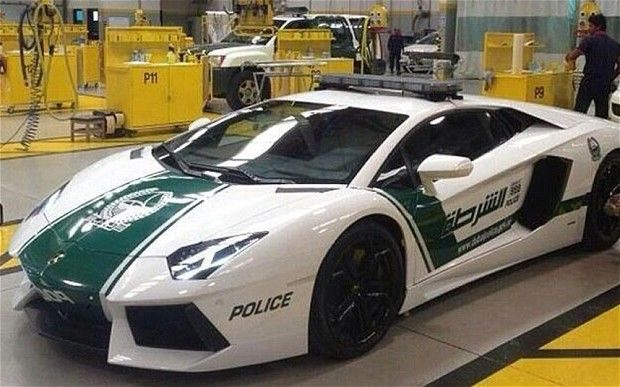 Lamborghini-aventador-politia-dubai