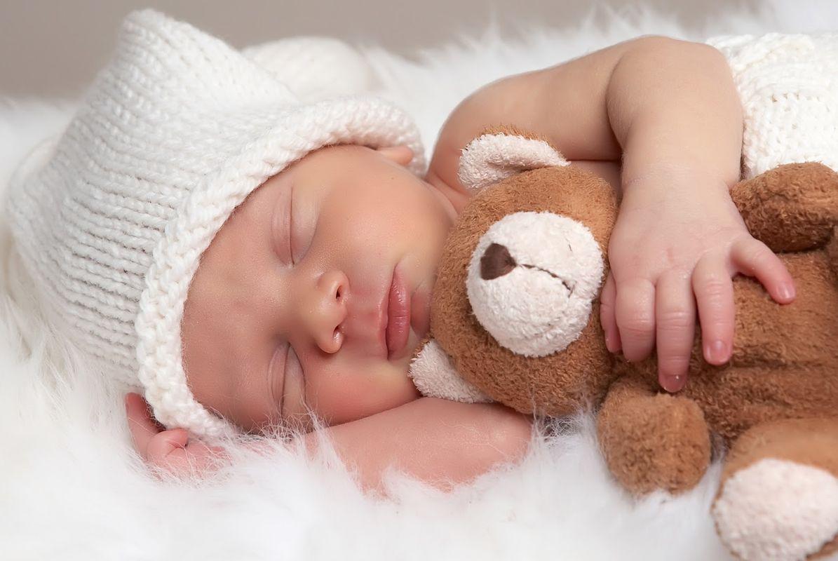 Cum-este-influentat-un-bebelus-daca-mama-consuma-droguri-sau-alcool