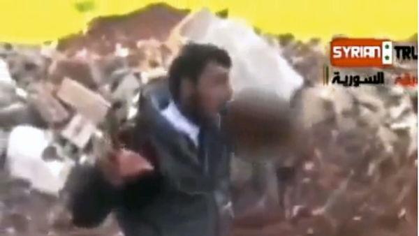 sirian-mamanca-inima-uniu-rebel-scoate-inima-unui-soldat