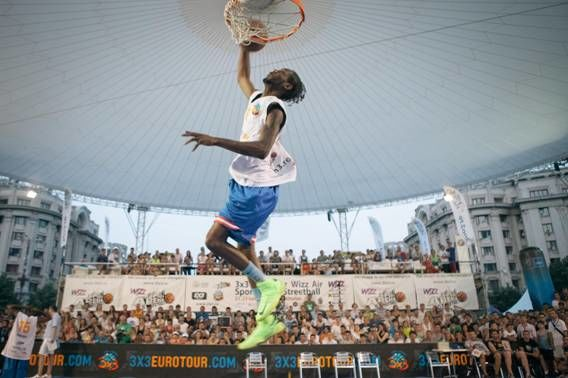 Concurs de slam dunk Wizz Air Sport Arena Streetball Piata Constitutiei 1