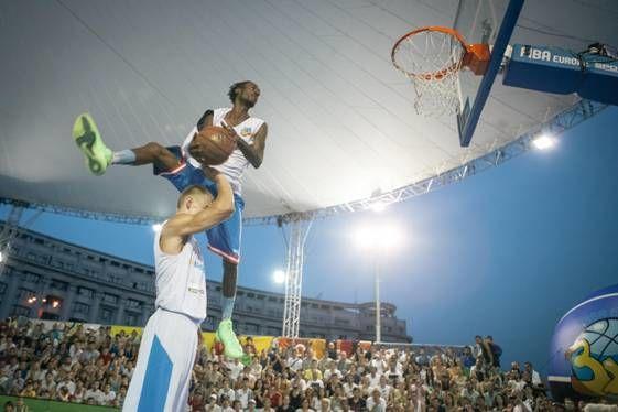 Concurs de slam dunk Wizz Air Sport Arena Streetball Piata Constitutiei 3
