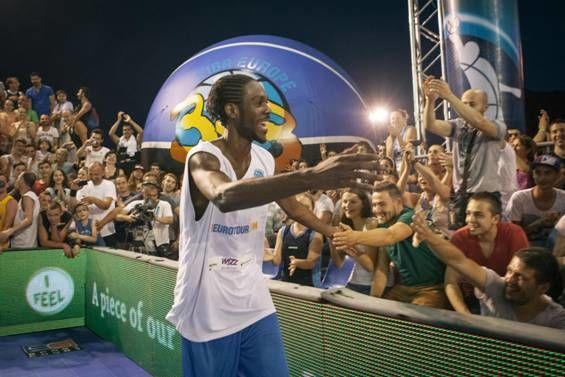 Concurs de slam dunk Wizz Air Sport Arena Streetball Piata Constitutiei 4