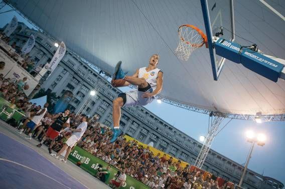Concurs de slam dunk Wizz Air Sport Arena Streetball Piata Constitutiei 6