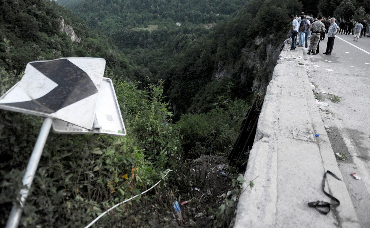 Accident in Muntenegru romani morti