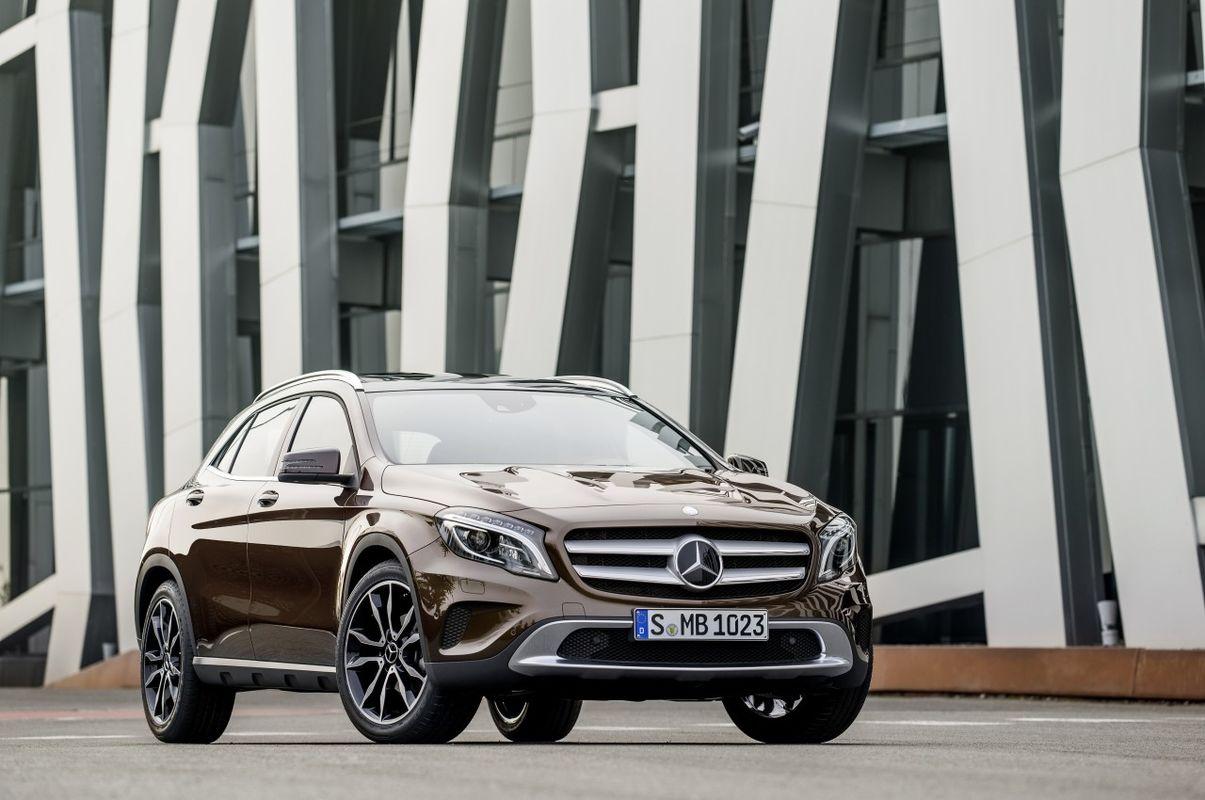 Mercedes GLA 13