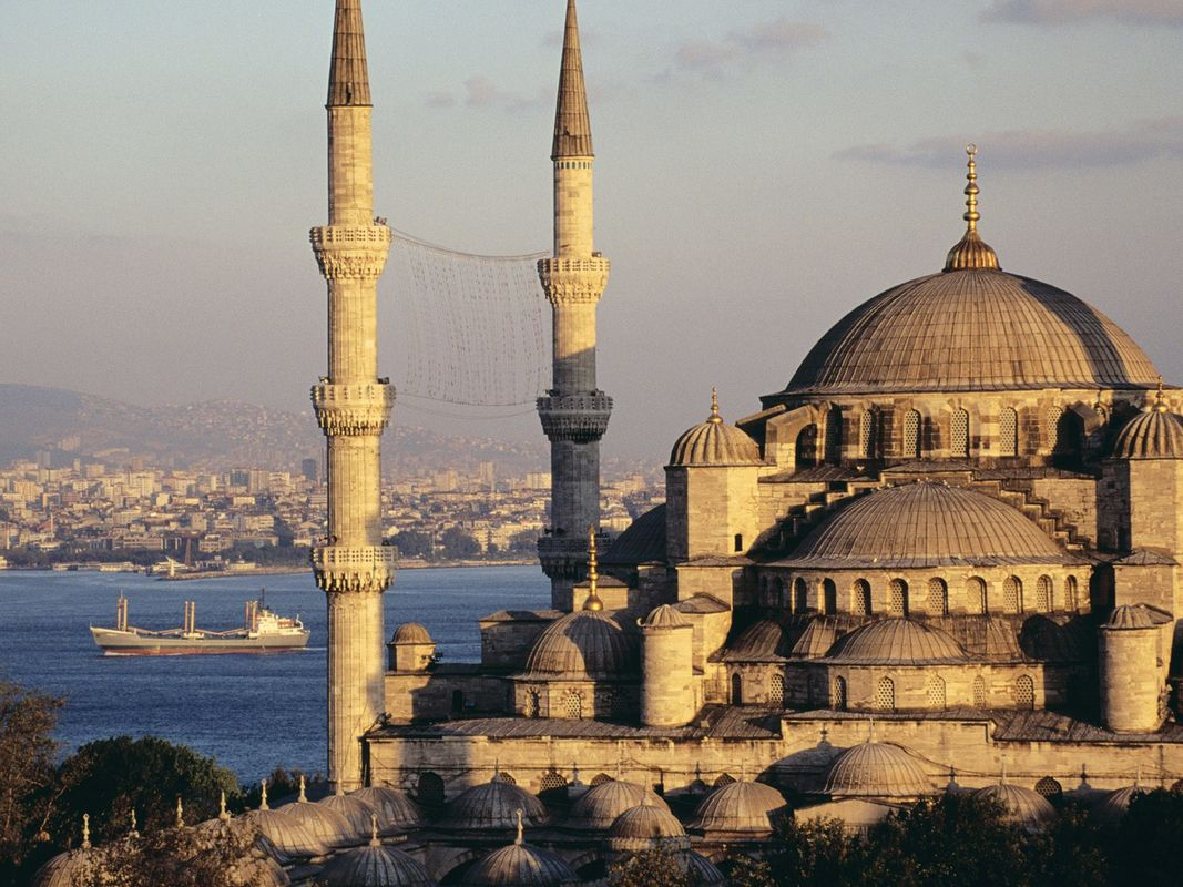 Sultan-Ahmed-Mosque-in-Istanbul-Turkey-5